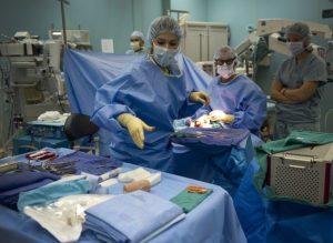globaler Mangel an Pflegekräften und Hebammen